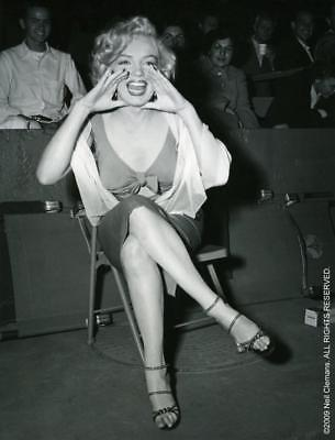 Marilyn Monroe 8x10 Picture Simply Stunning Photo Gorgeous Celebrity #624