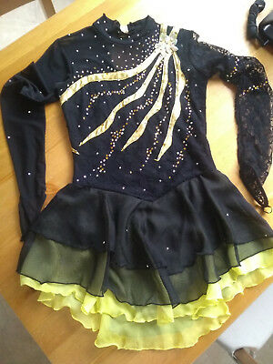 Figure Skating Dress Black and Gold size 6-9 yrs