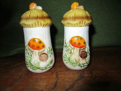 Vintage 1977 Sears Roebuck Merry Mushroom Salt & Pepper Shakers-Japan