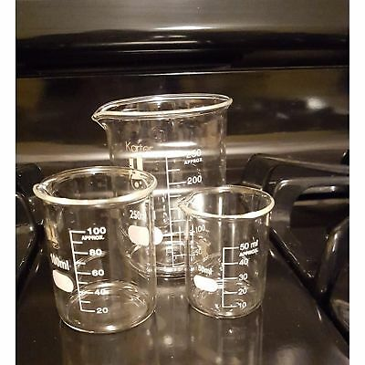 Low Form Glass Lab Beaker Set of 3 Chemistry Measuring Cup Equipment Scientist