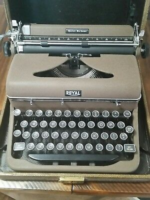 Royal Quiet De Luxe Portable Typewriter , A-1029274, Brown, Touch Control
