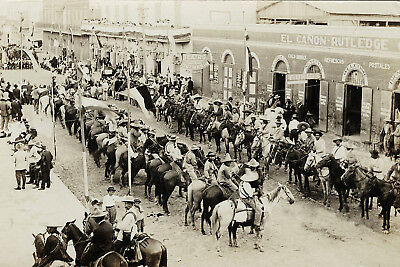 c1910-Mexican Revolution-Rebels Ammassing at the Mexican-American Border