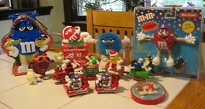 LOT OF 9 M&M's, 1 CA RAISIN & 2 HERSHEY'S TOYS, MINT CONDITION- CHRISTMAS THEME!