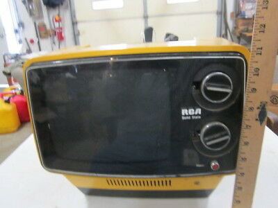 Vintage RCA Portable State TV  Model No.  AU 097N