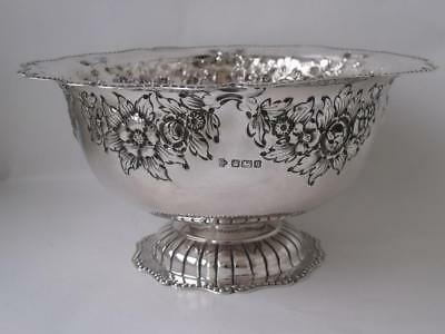 Pretty Antique Embossed Solid Sterling Silver Bowl 1910/ Dia 18.5 cm/ 288 g