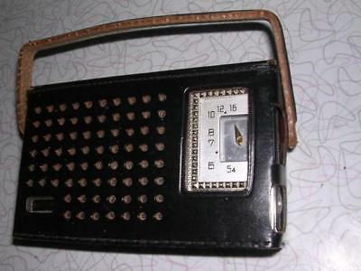 Vintage Hilton Eight Transistor Radio Made in Japan in Working Condition