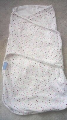 Gro Swaddle, 0-3 months, excellent condition, spotty design