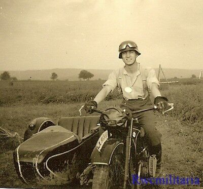 **AWESOME! Luftwaffe Kradmelder Posed on His Motorcycle (WL-86360) in Field!!!**