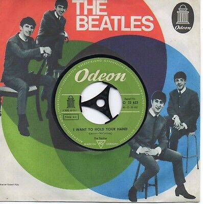 """The BEATLES  """" I Want To Hold Your Hand """"      7"""" inch Vinyl Single"""