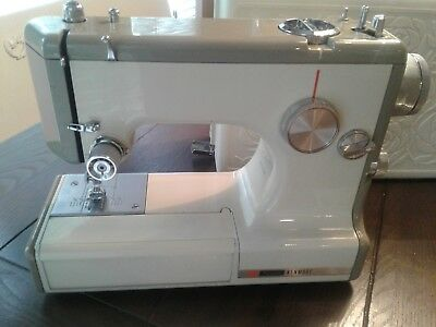 SEARS KENMORE SEWING Machine 40 Model 40400 W Case And Acc Extraordinary Kenmore Sewing Machine Model 158