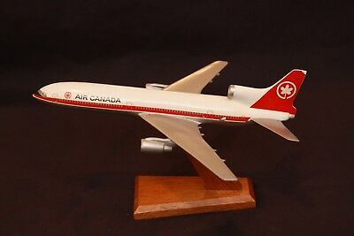 Vintage Air Canada Lockheed L-1011 Tristar Airplane Desk Desktop Model Plane