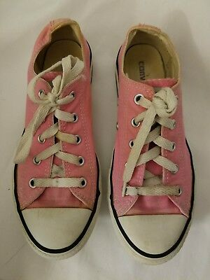 75104b8933a911 Converse All Star Girls Youth Size 2 Pink Low Classic Chucks Sneakers SKU  3J238