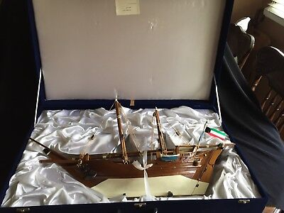 """Boom Sailing Dhow wood model ship large 27"""" Gulf War Gift From Kuwait PM To USA"""