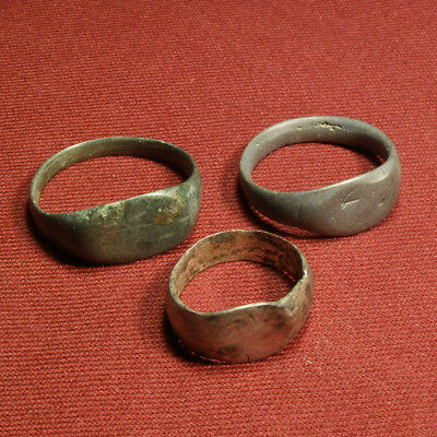 Lot of 3 roman rings