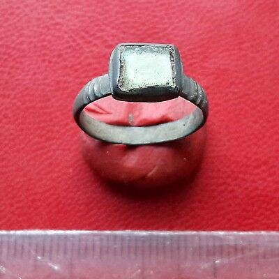 Pretty Late Medieval bronze ring with glass insert 17-18 century