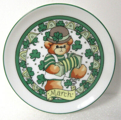 Lucy & Me Month of MARCH St. Patrick's Day Miniature Mini Plate Wall Hanging 4""
