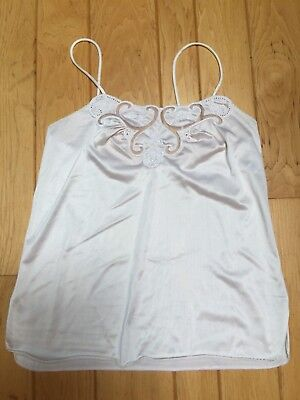 Vanity Fair Size 30 Ivory Cream Embroidered Lace