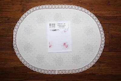 Rare LUC Creations - Traced linen Exceptional Centre Piece - # 355- Lace Edge