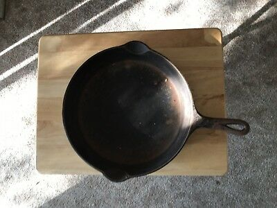 """Griswold Small Logo 10"""" Cast Iron Skillet Erie PA"""