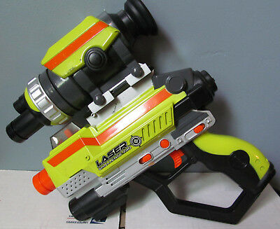 2007 Jakks Pacific Laser Challenge Pro Gun Tag Lazer with Scope TESTED Free Ship
