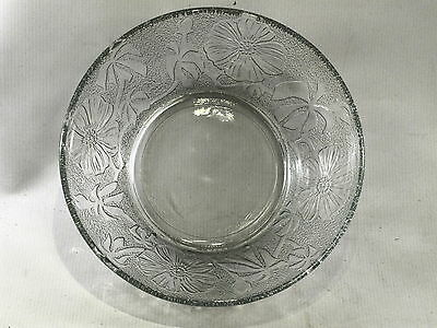 """Glass Serving Fruit Bowl 8 3/4"""" diameter 3"""" tall Indonesia Flowers & Palm Trees?"""