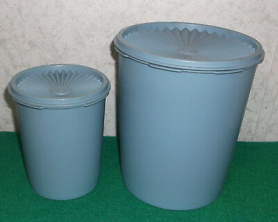 Tupperware Canisters 2 Blue Starburst