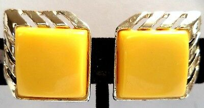 "Stunning Vintage Estate Gold Tone Yellow Thermoset 1"" Clip Earrings!!! 5029R"
