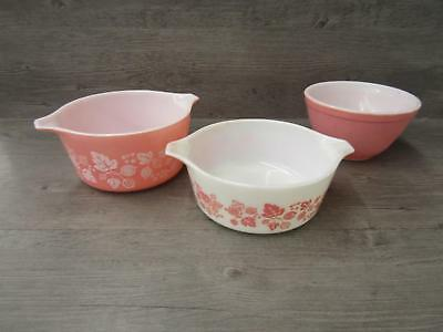 Pyrex Made In USA Ovenware Set of Three Pink & White Oven Dishes w/ Lids x2