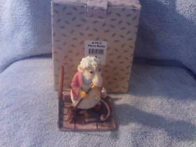 Unusual Border Fine Arts Nora Ratty Figurine Part of the Rats Collection,Box
