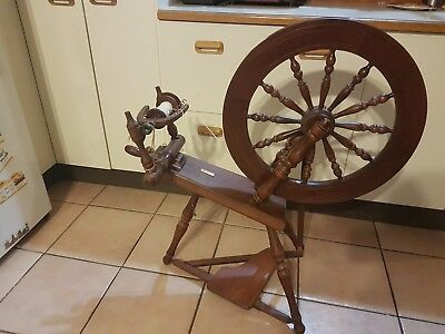 Vintage Spinning Wheel Wooden / Needs Work Or Decorative Item Only Must See
