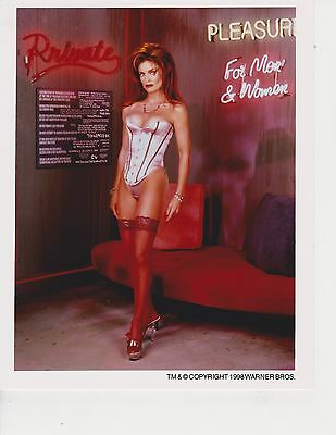 Tracy Scoggins  (Babylon 5) 8x10 Photo