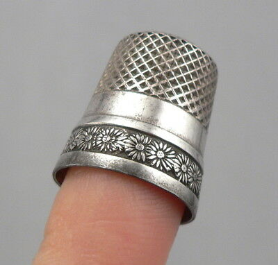 Antique STERLING Silver SEWING THIMBLE DAISY FLOWER Design 4.2g Webster Size 10