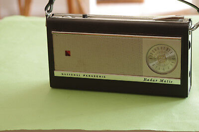National Panasonic Radar-Matic model R-1000 Transistor Radio in VGC Rare