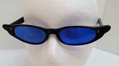 Vintage 1960's Cat Eye Sunglasses - Black Frame - Blue Lens - Made in Japan