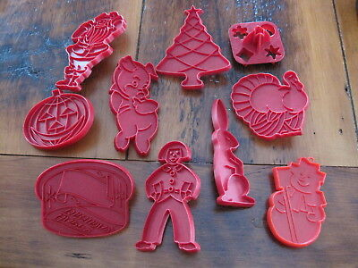 Lot of 10 vintage red Plastic Cookie Cutters Tupperware