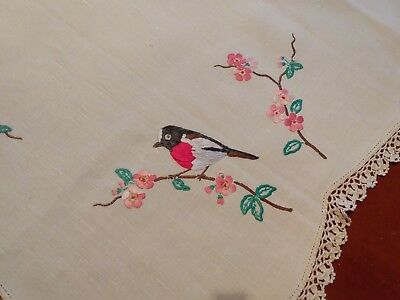 @@WOW@@ Stunning Vintage embroidered table cloth Robin bird and Bloosom