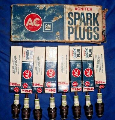 Vintage Set Of 8 Ac Acniter R44S Green Stripe Spark Plugs