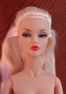 "Integrity Toys 16"" Nude - Poppy Parker - 'shop Around Fashion Teen' - Needs Tlc"