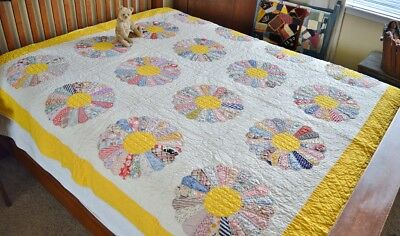 Antique Hand Stitched Calico Dresden Plate Quilt