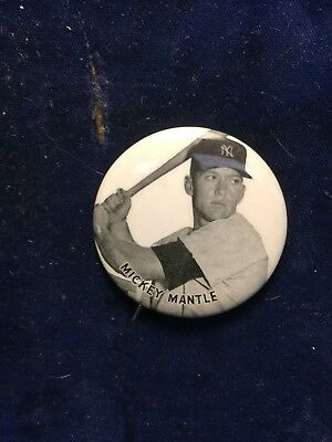 1960's MICKEY MANTLE VINTAGE PINBACK BUTTON,NEW YORK YANKEES,REALLY NICE,LOOK!!!