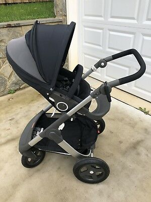 Stokke Trailz Stroller In Black, Excellent Condition! Rain Cover Included