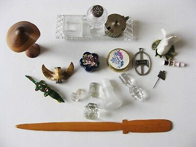 A Small Job Lot Of Vintage Collectables