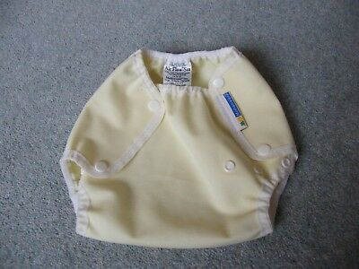 motherease airflow wrap, yellow, size small UNUSED