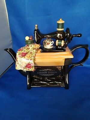 Cardew teapot, Old Country Roses , Royal Albert earthenware chintz collection