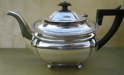 Antique Edwardian Sterling silver teapot, Chester 1902, 634 grams
