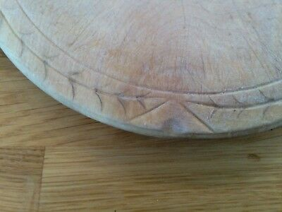 Old bread board. wooden simple carved patte.. well used patina. a beautiful item