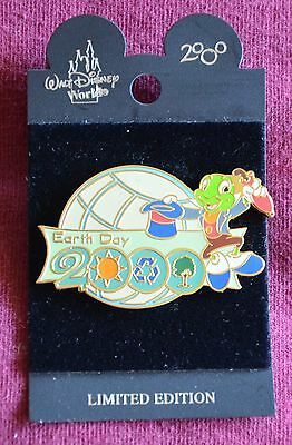 Disney World EARTH DAY 2000 Jiminy Cricket with Hat Off Pin -  Retired Pins