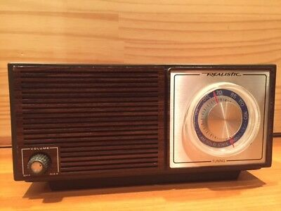 REALISTIC   AM SOLID STATE RADIO  Model 12-679
