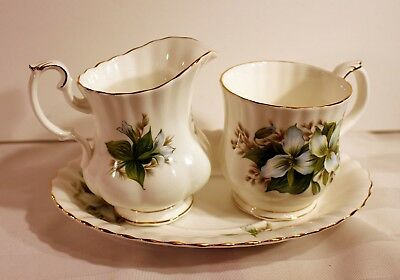 Royal Albert Trillium china mug, creamer, underplate for gravy boat