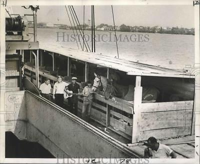 1969 Press Photo Argentine Olympic Jumping Horses Team at New Orleans Wharf